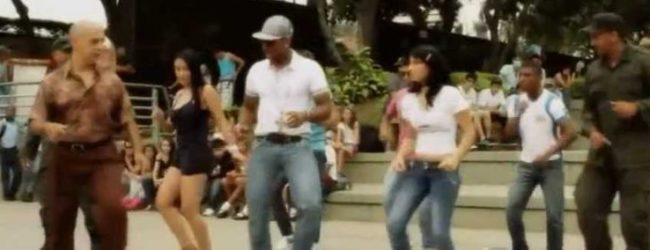 People dancing Colombia's Salsa-choke.